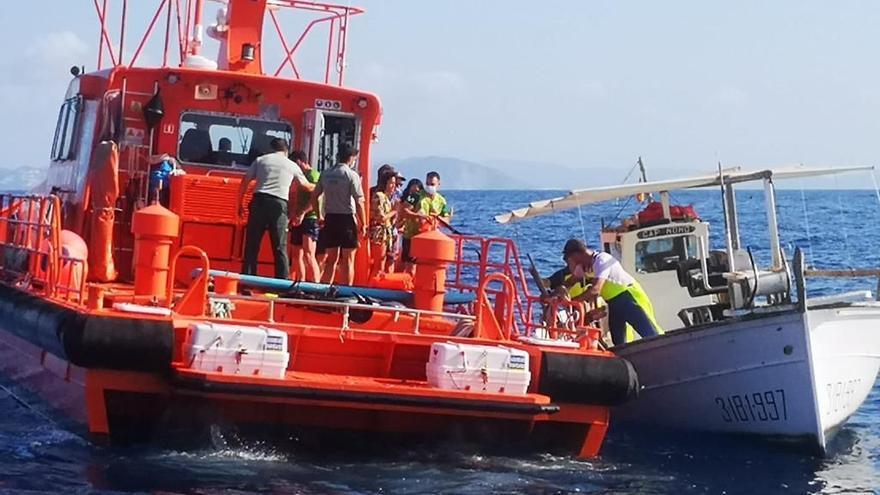 Reciben el alta los cinco turistas rescatados en Ibiza a la deriva que pasaron la noche agarrados a una tabla de paddle surf