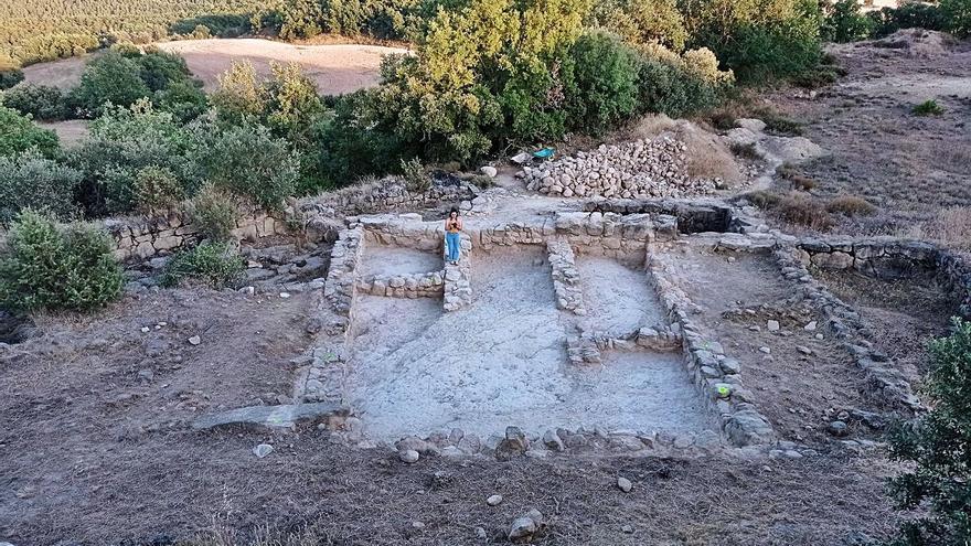 Troben restes de tres estances al jaciment arqueològic de la Codina
