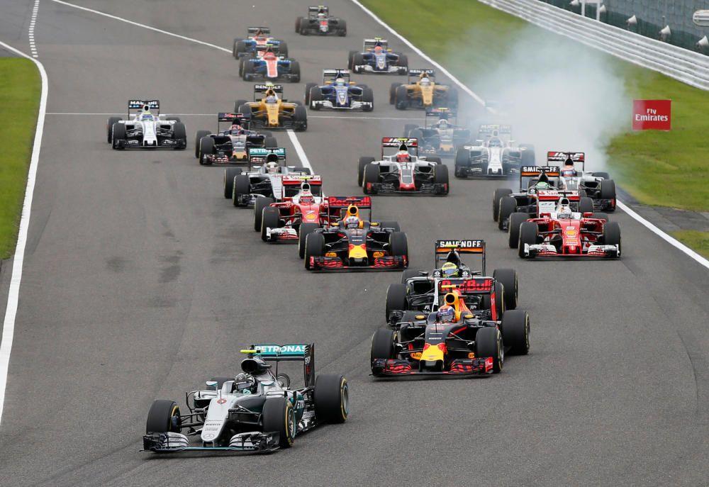 El circuito japonés de Suzuka asiste a una nueva exhibición de Rosberg, que acaba primero por delante de Verstappen y Hamilton.