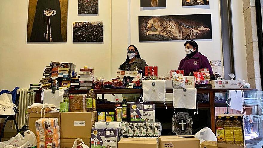 """La Mañana reparte 2.000 kilos  de alimentos """"a los necesitados"""""""