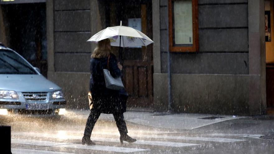 El tiempo en Asturias: frío, nieve y riesgo de aludes en los Picos