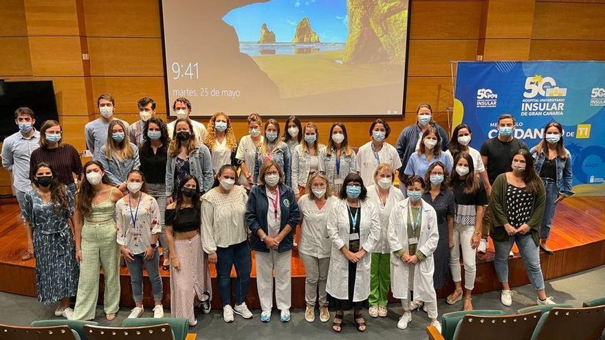 Homenaje en los hospitales de Gran Canaria a los médicos MIR que acaban su período de formación