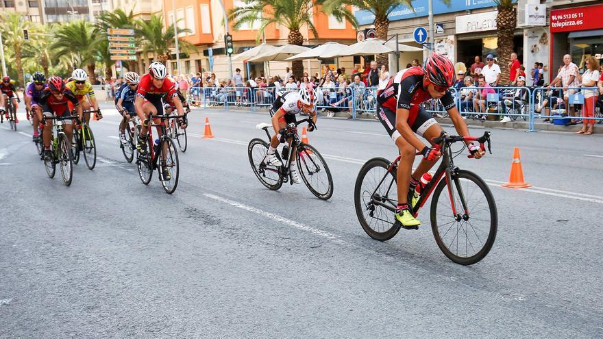 Espectáculo y diversión en el Trofeo Diputación 'Escuelas de Ciclismo'