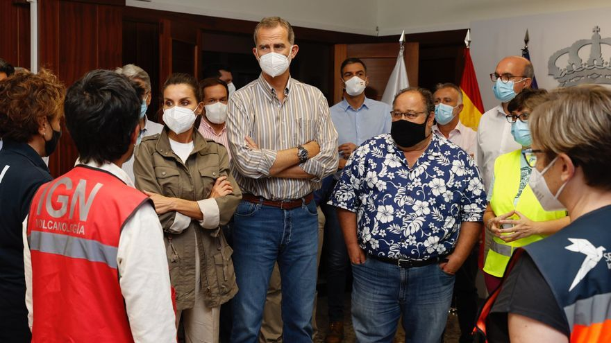 ¿Quién es Nemesio Pérez, el vulcanólogo que recibe en camisa hawaiana a los Reyes?