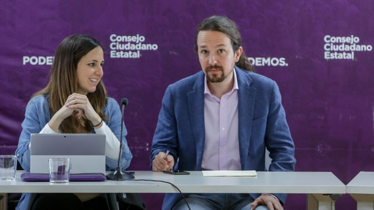 La ministra de Derechos Sociales, Ione Belarra, junto al exsecretario general de Podemos, Pablo Iglesias.