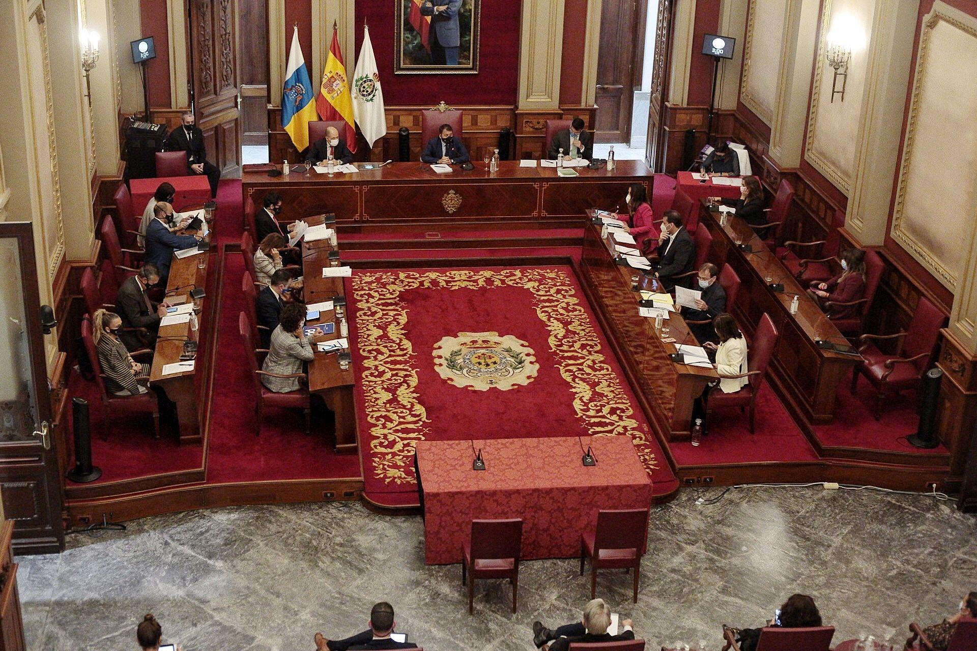 Pleno de presupuestos del Ayuntamiento de Santa Cruz