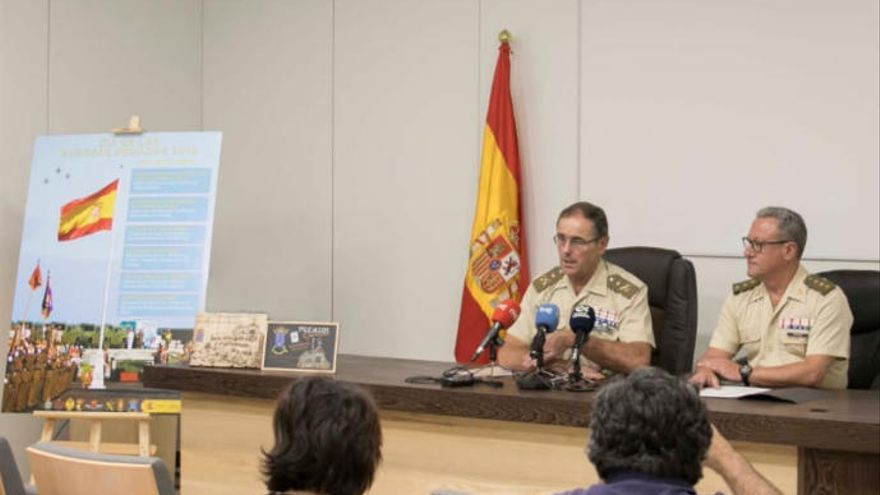 Ocho banderas de España ondean a la vez en las ocho islas canarias