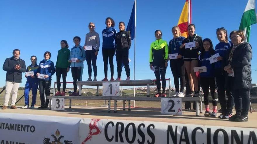 Polanco, Boutouil, Lansi y Grondona triunfan en Villanueva