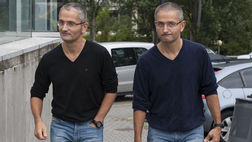 La jueza que investiga a los policías gemelos por asesinato seguirá al frente de la causa