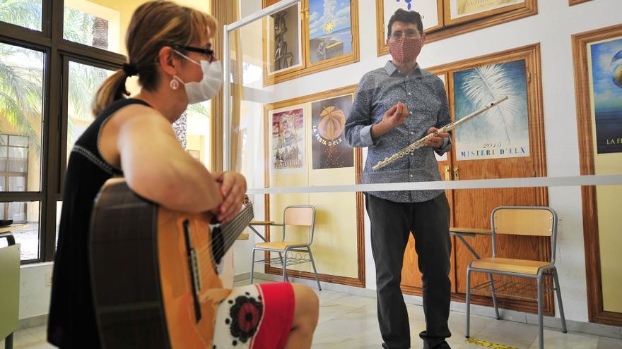 Un positivo por covid obliga a suspender clases en el conservatorio de Elche