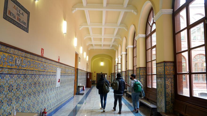 Solo cuatro de cada diez universitarios de Castilla y Léon trabaja en la comunidad