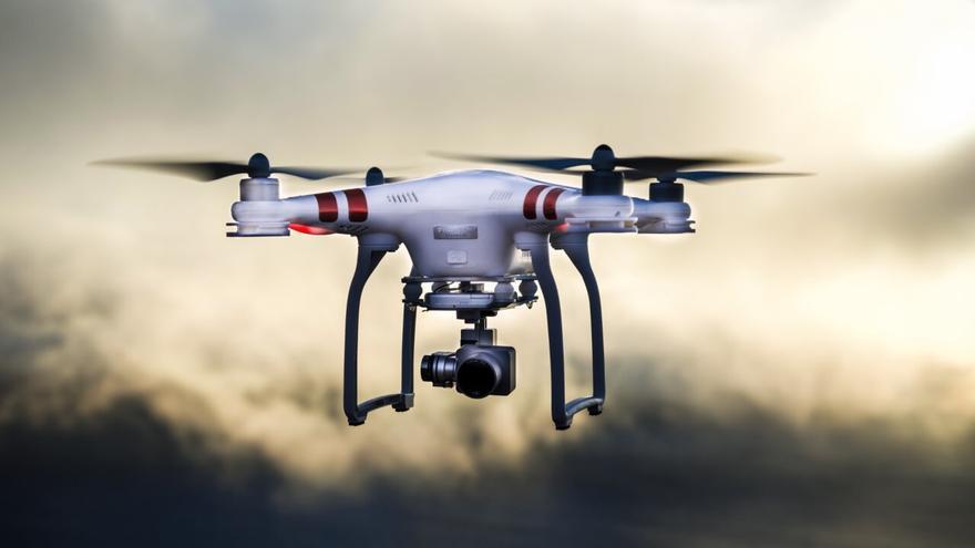 Un ladrón emplea un dron para robar en cuatro casas de la capital
