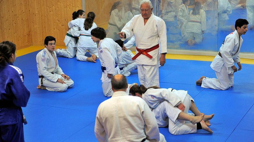 """Shu Taira, """"Asturiano del mes"""" de abril por su impulso al judo en España"""