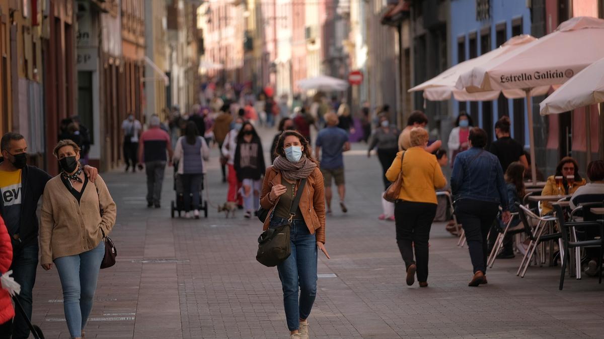 Aumentan los contagios en Canarias: 329 casos y cuatro fallecidos en 24 horas