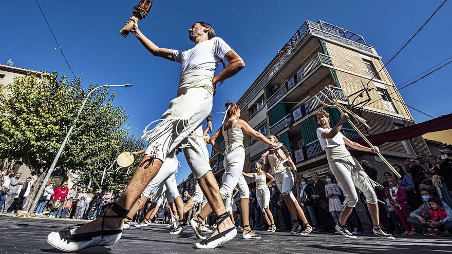 La Fira Embarrats retorna l'ambient festiu de prepandèmia als carrers de Sant Joan