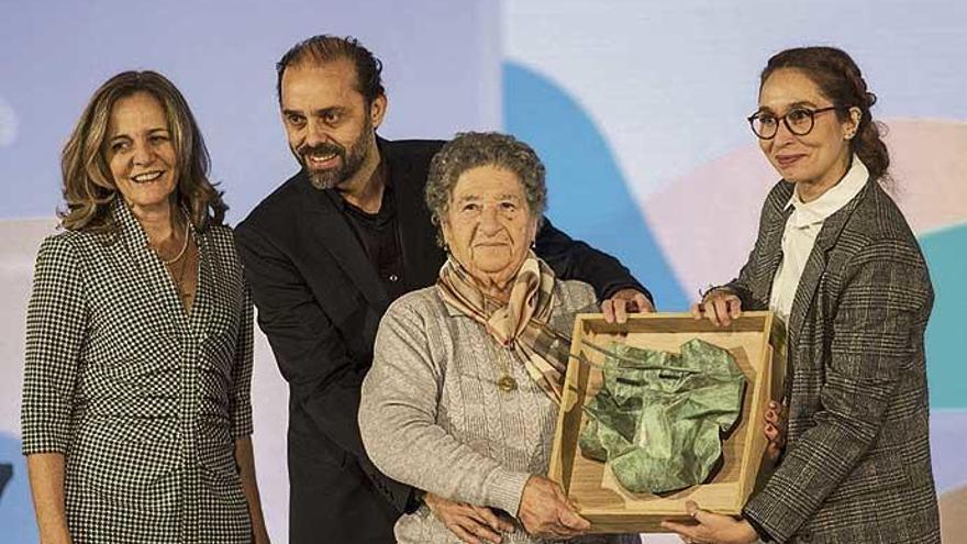 Cáccamo, Luz Darriba, Santamarina, Cans y Villares reciben los Premios da Cultura Galega