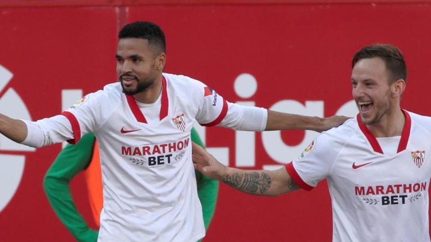 Un 'hat-trick' de En-Nesyri para el Sevilla prolonga la mala racha de la Real Sociedad