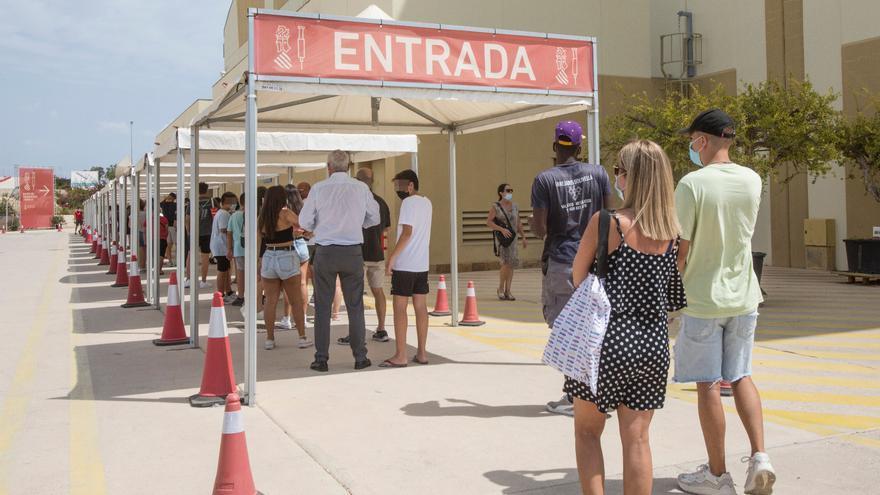 Sanidad notifica 235 nuevos casos de coronavirus en la provincia de Alicante en 24 horas