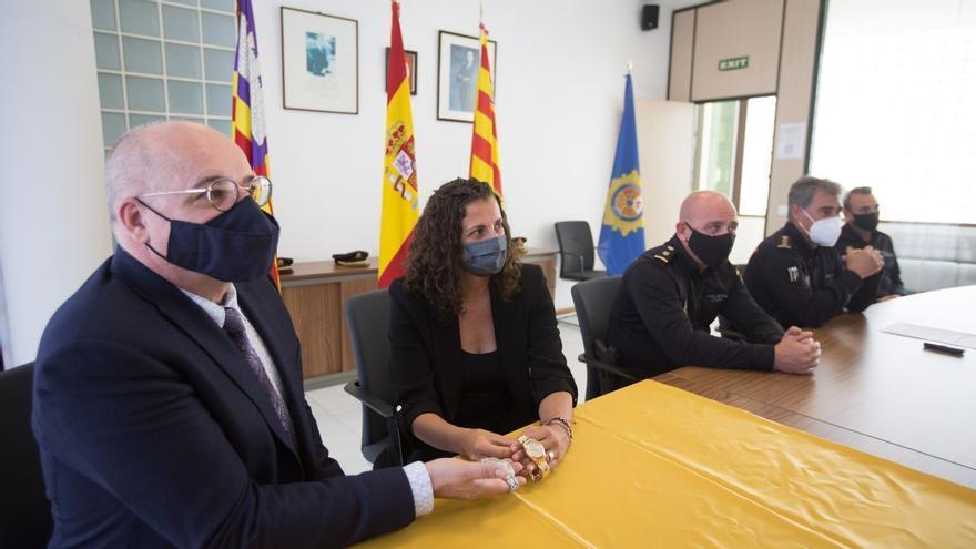 La Policía devuelve a los joyeros dos relojes robados en Ibiza valorados en 285.000 euros