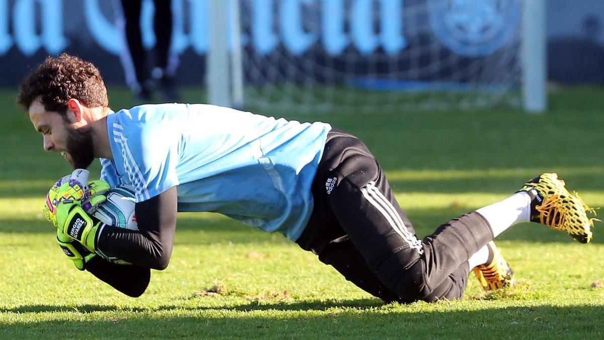 Sergio Álvarez, durante un entrenamiento. // Marta G. Brea