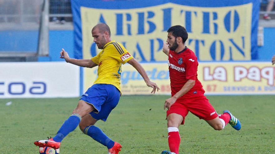 Ortuño es el máximo goleador y el Levante sigue en el liderato