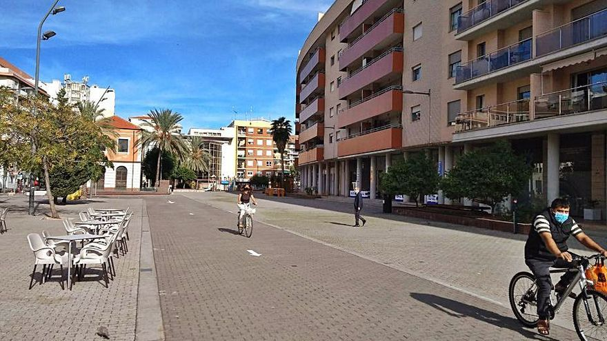 38 comercios de Dénia salen a la calle la Vía con descuentos especiales