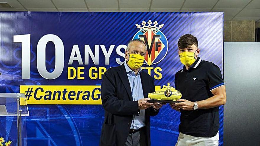El Villarreal confirma el fichaje de Ratiu