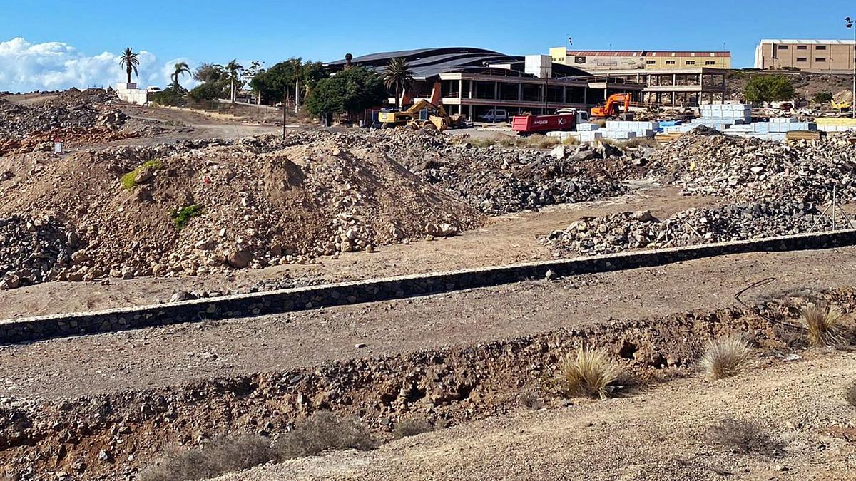 Imagen tomada ayer de los terrenos donde se tiene previsto construir el Centro Comercial Tropicana. | | E.D.