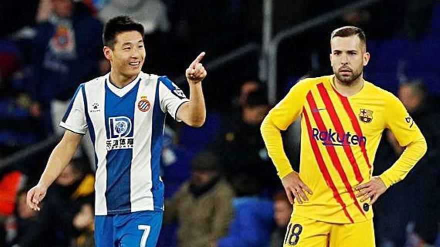 Wu Lei rescata un punto para el Espanyol en su derbi