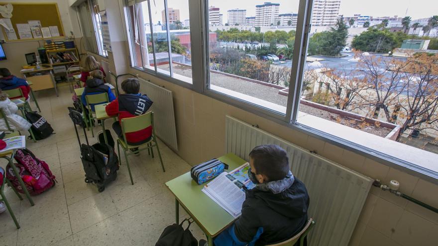 La jornada escolar de la Comunitat en la ilegalidad