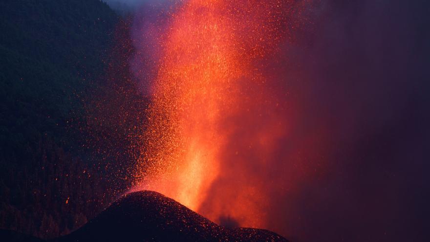 Creix un 50% la zona afectada per l'erupció del volcà de la Palma