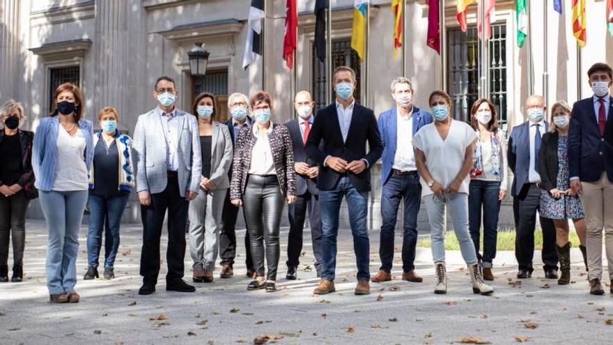 """Los senadores socialistas apoyan la moción de censura """"del cambio"""" en Castilla y León"""