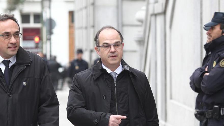 Líderes del procés piden al Supremo que cite como testigo al Rey y Puigdemont