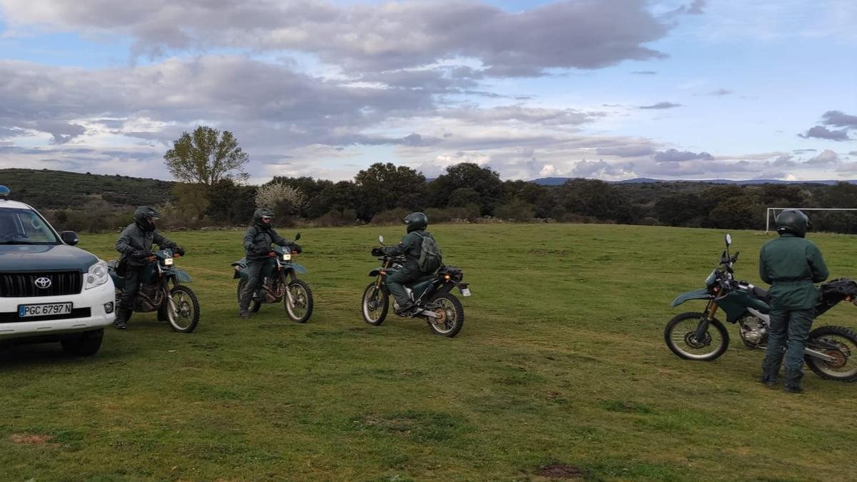 La Guardia Civil con motos para buscar al desaparecido de Figueruela de Arriba