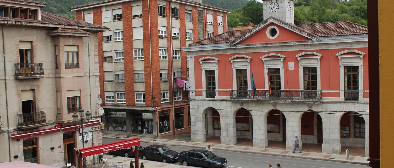 El Ayuntamiento de Piloña, en Infiesto, en una imagen de archivo.