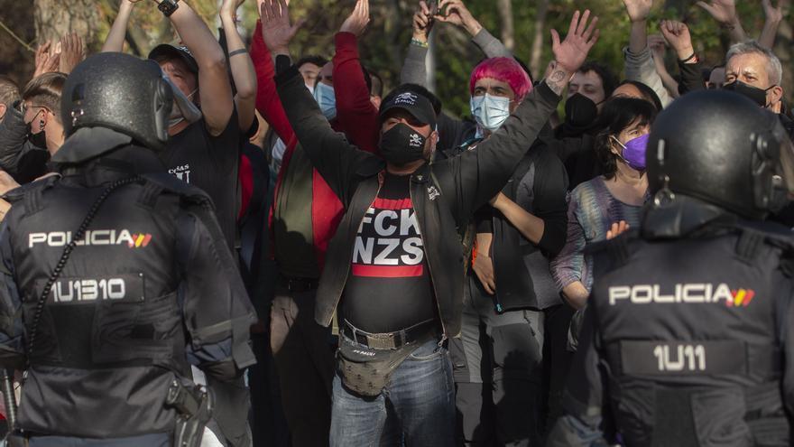 Un trabajador de Podemos detenido por los altercados en el mitin de VOX en Vallecas