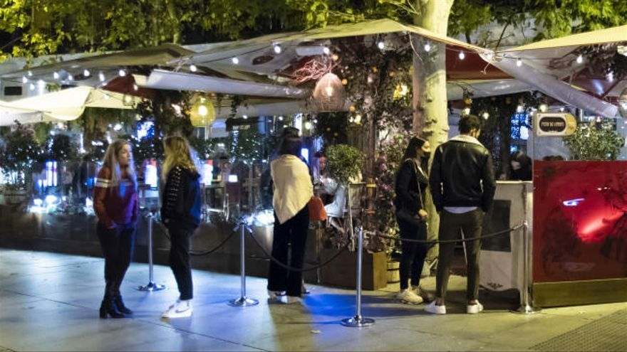 Cataluña congela la reapertura de locales nocturnos