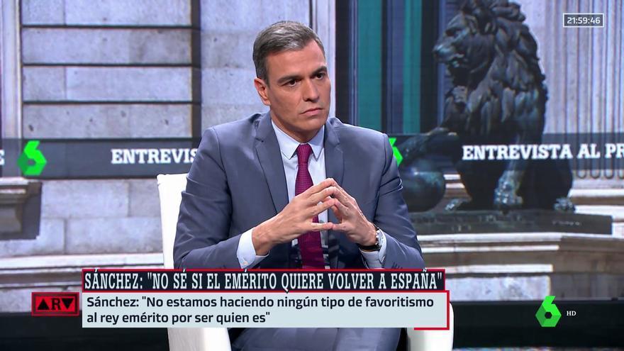 """Sánchez reclama al rey Juan Carlos que dé """"explicaciones"""" sobre sus escándalos"""