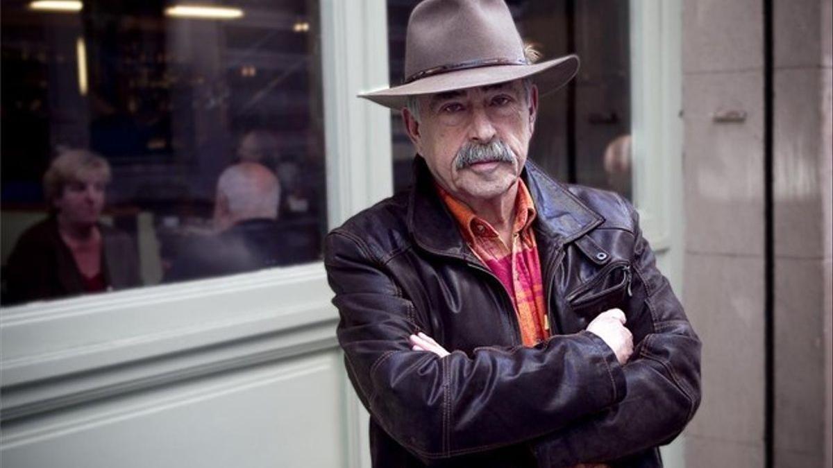 El dibujante Carlos Romeu.