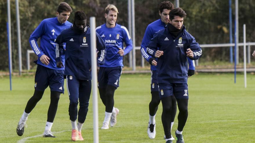 El Oviedo busca un delantero en el mercado de invierno y quiere atar la renovación de Nieto