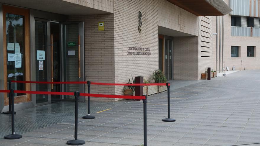 Solicitan 9 años por intentar apuñalar a su novia en Castellón