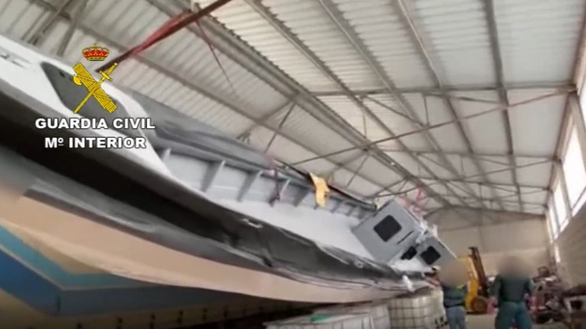 Narcolancha intervenida en un embarcadero en Málaga.