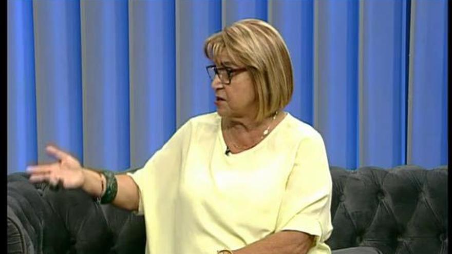 La alcadesa de Picassent, Conxa García, responde a las preguntas de Levante TV