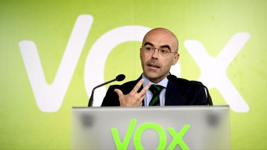 """Vox pide que el Ejército actúe para frenar la llegada de inmigrantes """"indocumentados"""""""
