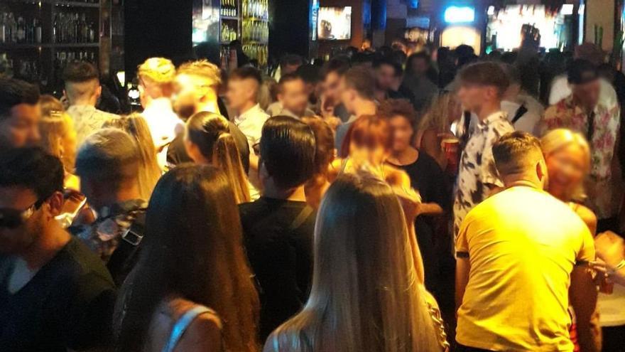 El Govern clausura tres bares en Calvià por saltarse las normas anticovid