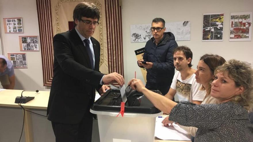 Puigdemont ja ha votat en un col·legi electoral de Cornellà del Terri
