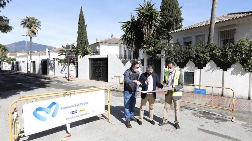 Marbella mejora la movilidad en los caminos de Granadilla y Cortes de San Pedro Alcántara