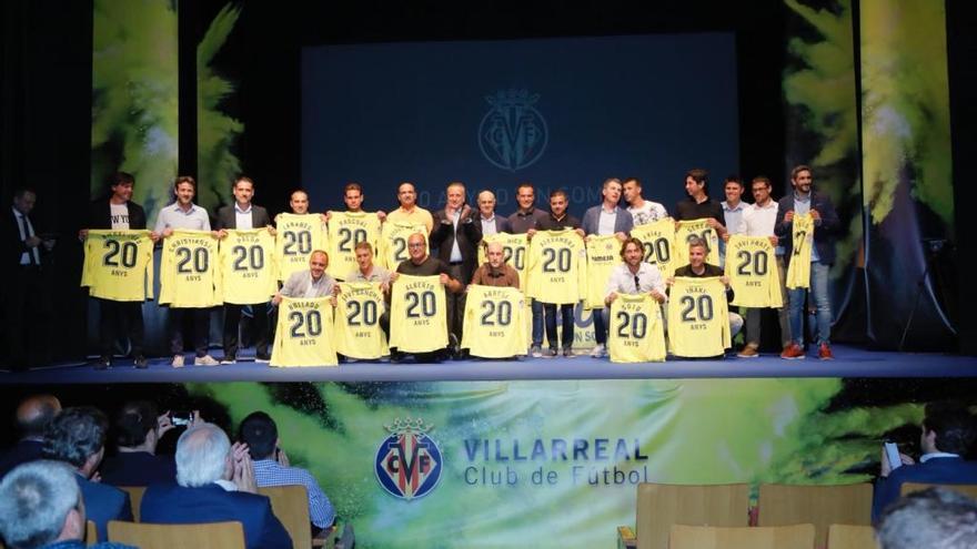El Villarreal homenajea a los héroes del primer ascenso a Primera División