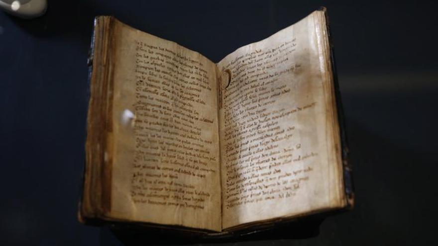El códice del 'Cantar del mío Cid' se exhibe por primera vez en su historia