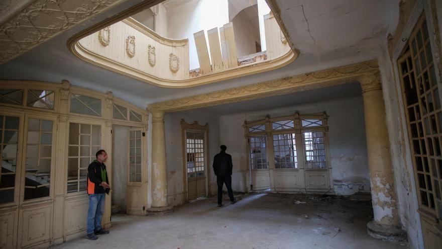 La Colonia de Santa Eulalia se desmorona por el abandono, el expolio y el vandalismo